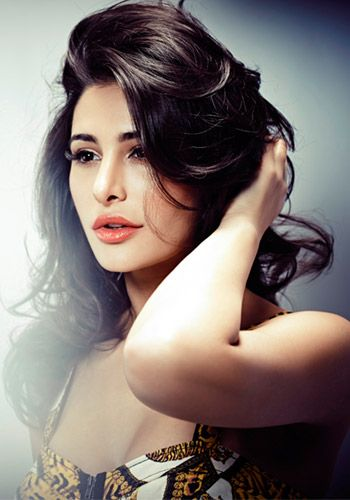 Actress Nargis Fakhri Contact