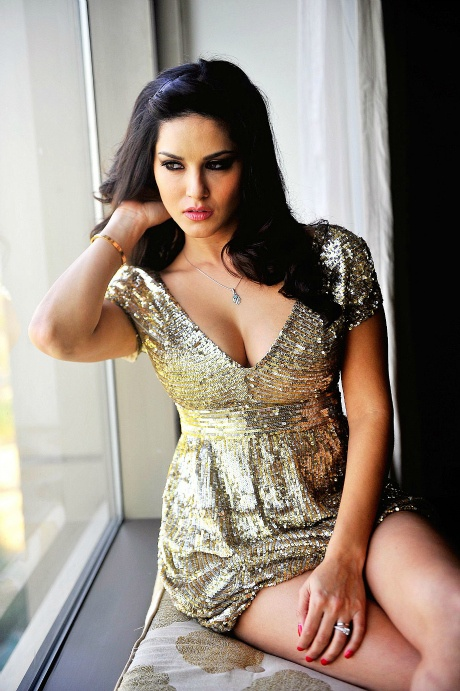 Actress Sunny Leone Contact