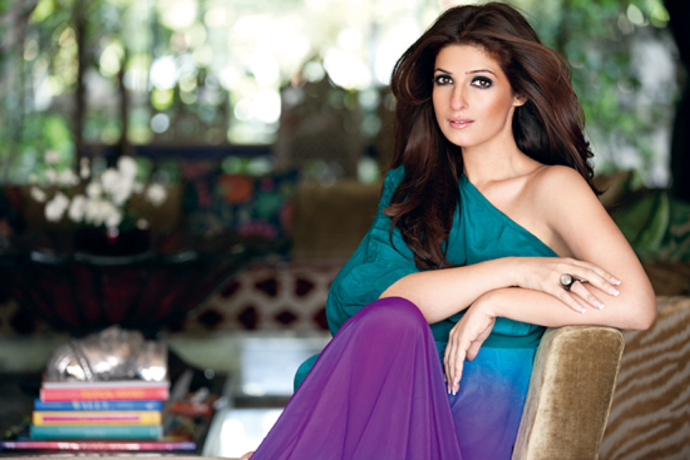 Actress Twinkle Khanna Contact