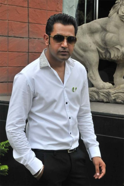 Singer Gippy Grewal Contact Details