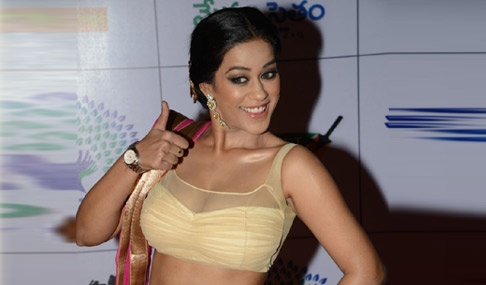 Telugu Actress Mumaith Khan Contact Details